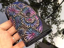 浮革皮雕---紫黑色皮雕名片包