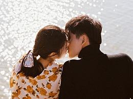 日落时亲吻,风起时相拥