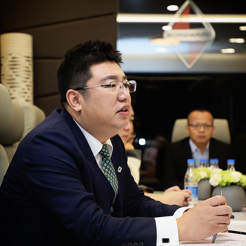梁兆文宝沃副总裁图片