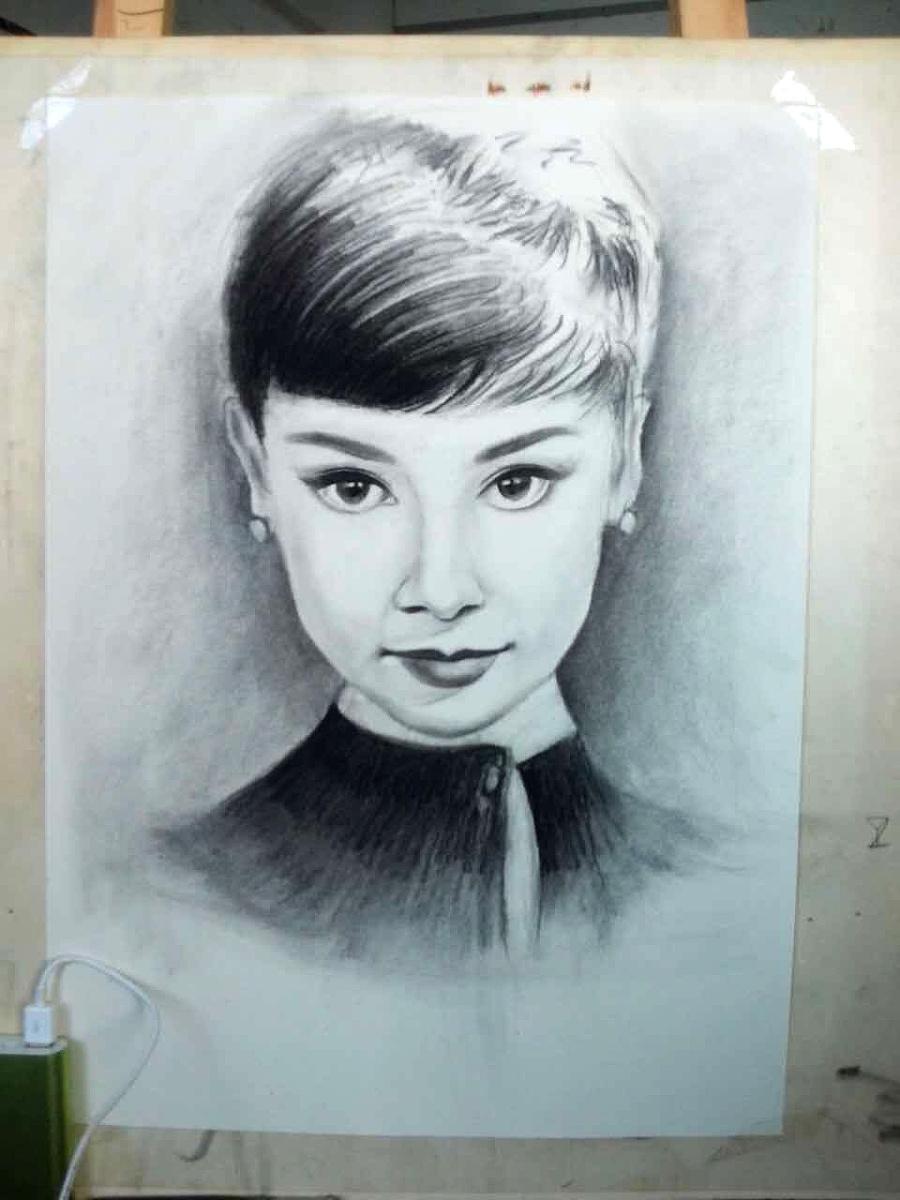 手绘素描-奥黛莉·赫本