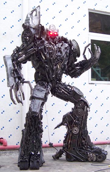 查看《铁的传奇为客户定做的变形金刚三大名角:擎天柱、威震天、红蜘蛛》原图,原图尺寸:362x567