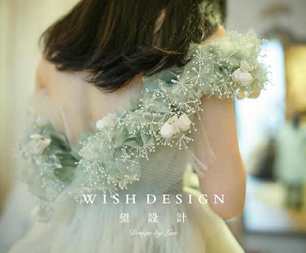 查看《樱草新娘,兰奕婚纱设计作品》原图,原图尺寸:600x495