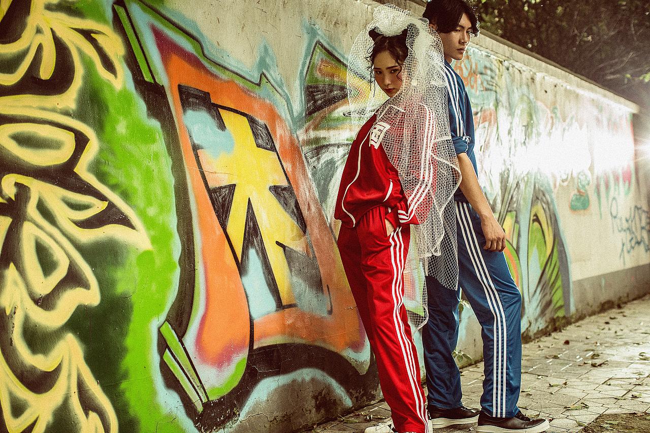 """【成都诺汐视觉】创意街拍婚纱照成为你的""""涂鸦墙"""""""