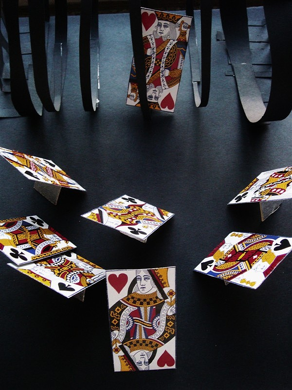 立体构成的作品,扑克牌的是想表达一种,王图片