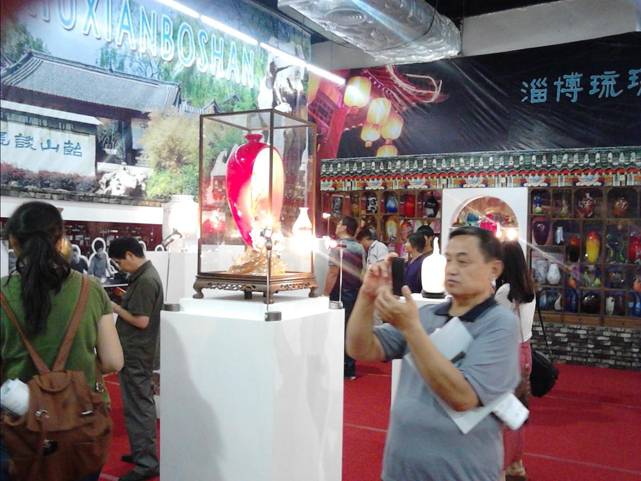 淄博陶瓷节彩绘模特