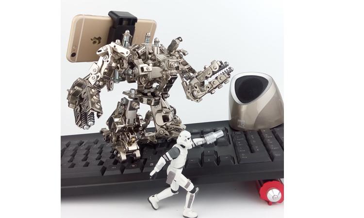 查看《机械党2017作品 金属手机支架 星际争霸 雷神 模型》原图,原图尺寸:750x450
