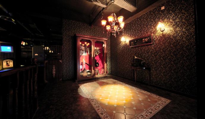 蒙自特色酒吧装修设计公司—《香奈儿音乐酒吧设计》