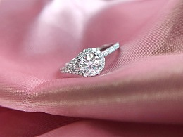 梵尼洛芙珠宝 | 钻戒设计《花蔻 Button》