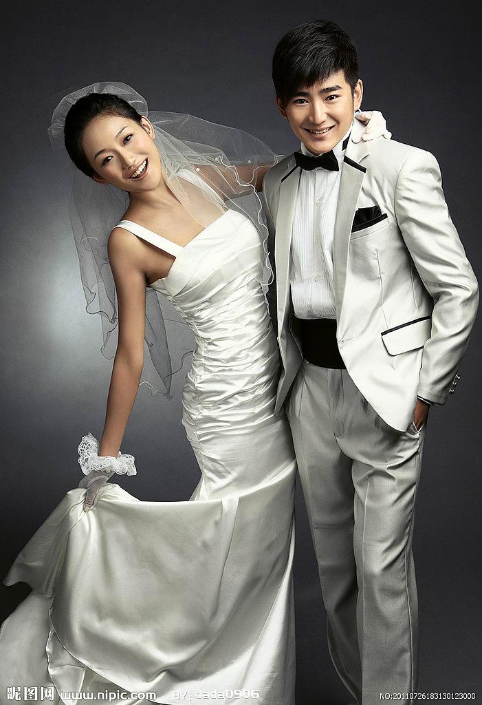 手绘卡通人物婚纱照系列 图片