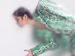 服装《蛇皮女郎》