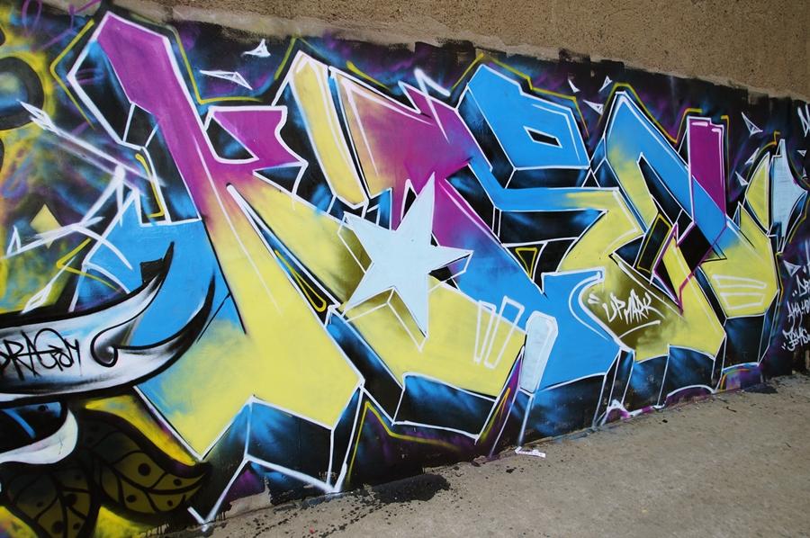查看《AMZ crew近期涂鸦》原图,原图尺寸:900x598