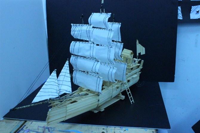 废旧物品手工制作航母