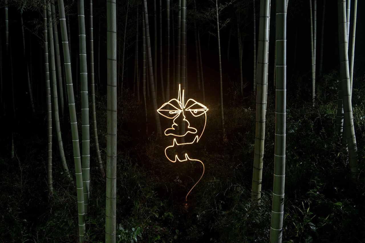 12位国际光绘师手绘炫酷光绘动画
