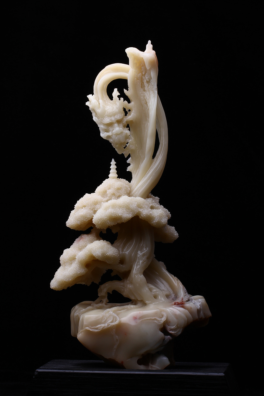 查看《惊心动魄的美 |宝工坊新作《融·禅境》,芙蓉石极致镂雕。》原图,原图尺寸:3456x5184