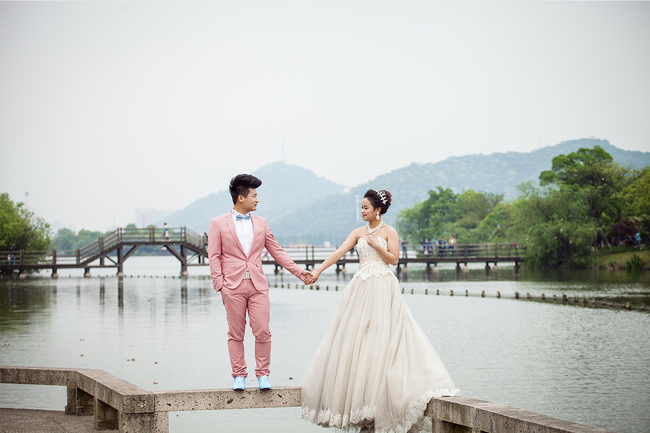 婚纱照后期处理_影视中后期处理的图片