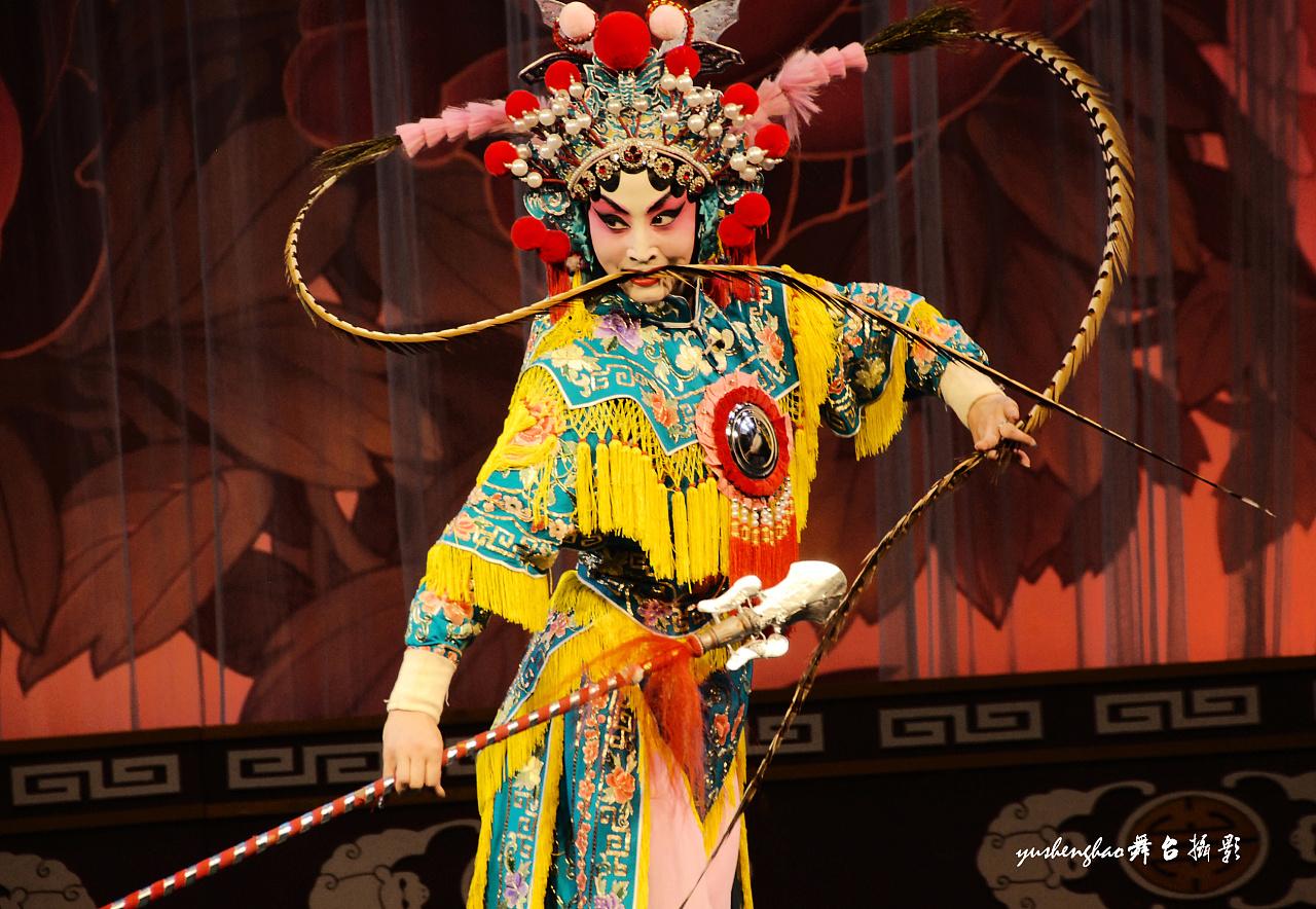 京剧长春市歌舞团的舞蹈内蒙古杂技踢碗世界最著名的日本空竹