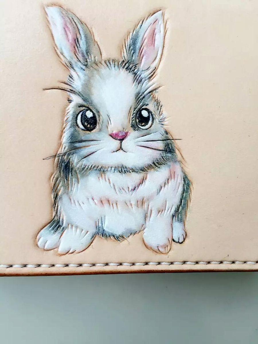 鼎革专业兔子皮具皮雕卡包系列小手工3卡位室内设计艺术毕业生图片
