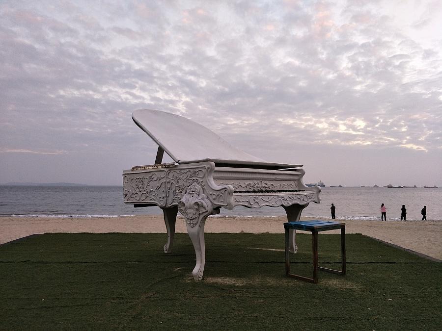 海边的钢琴