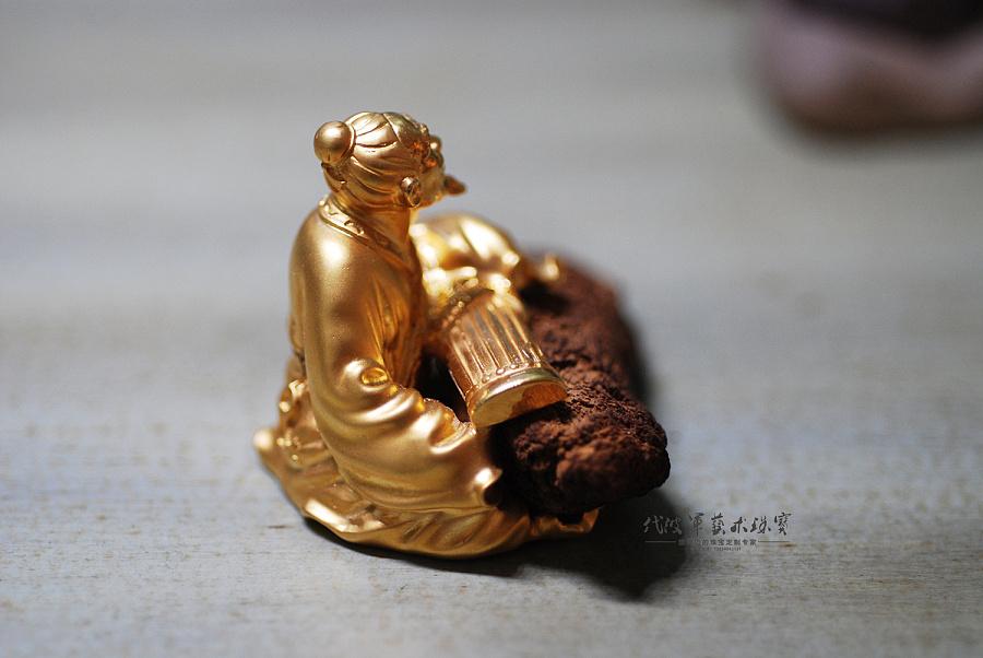 查看《代波军艺术珠宝定制----伯牙抚琴只为子期,沉香镶嵌设计摆件作品欣赏》原图,原图尺寸:1500x1004