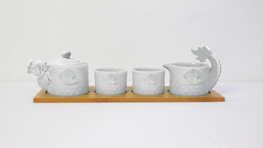 查看《天龙八部创意龙型茶具》原图,原图尺寸:1920x1080
