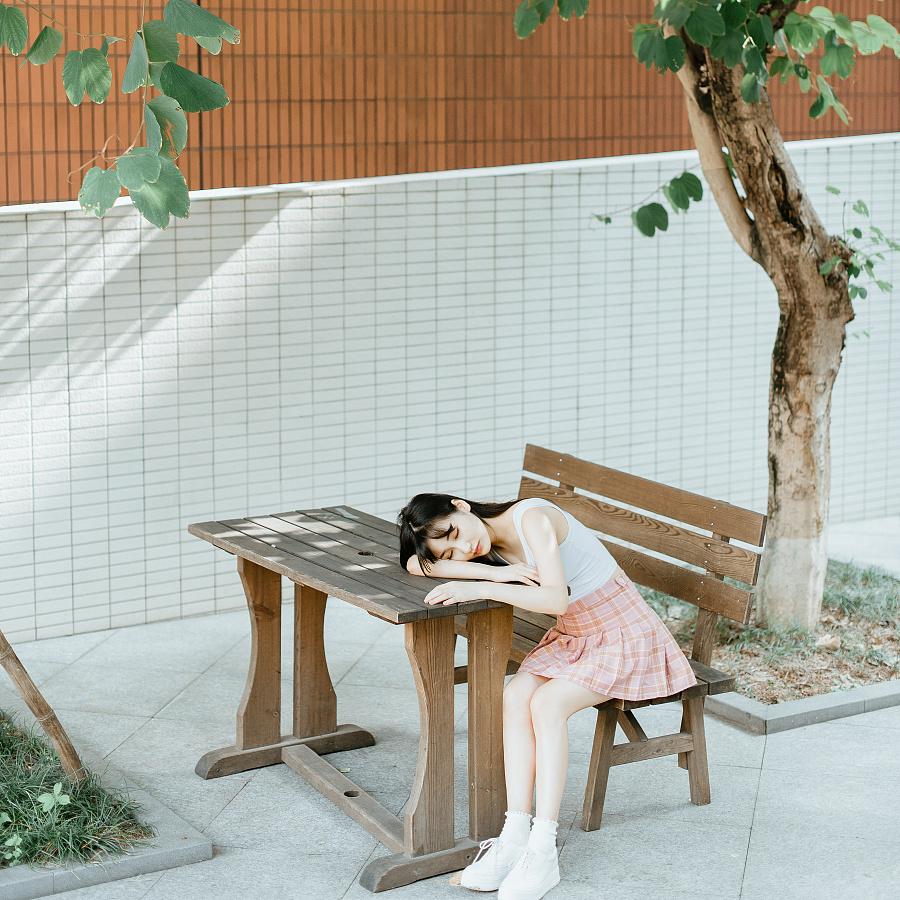 查看《夏日校园》原图,原图尺寸:1800x1800