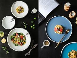 一些圆盘和料理