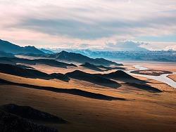广阔美丽的草原旅行