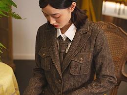 咖啡色羊毛格纹西服套装