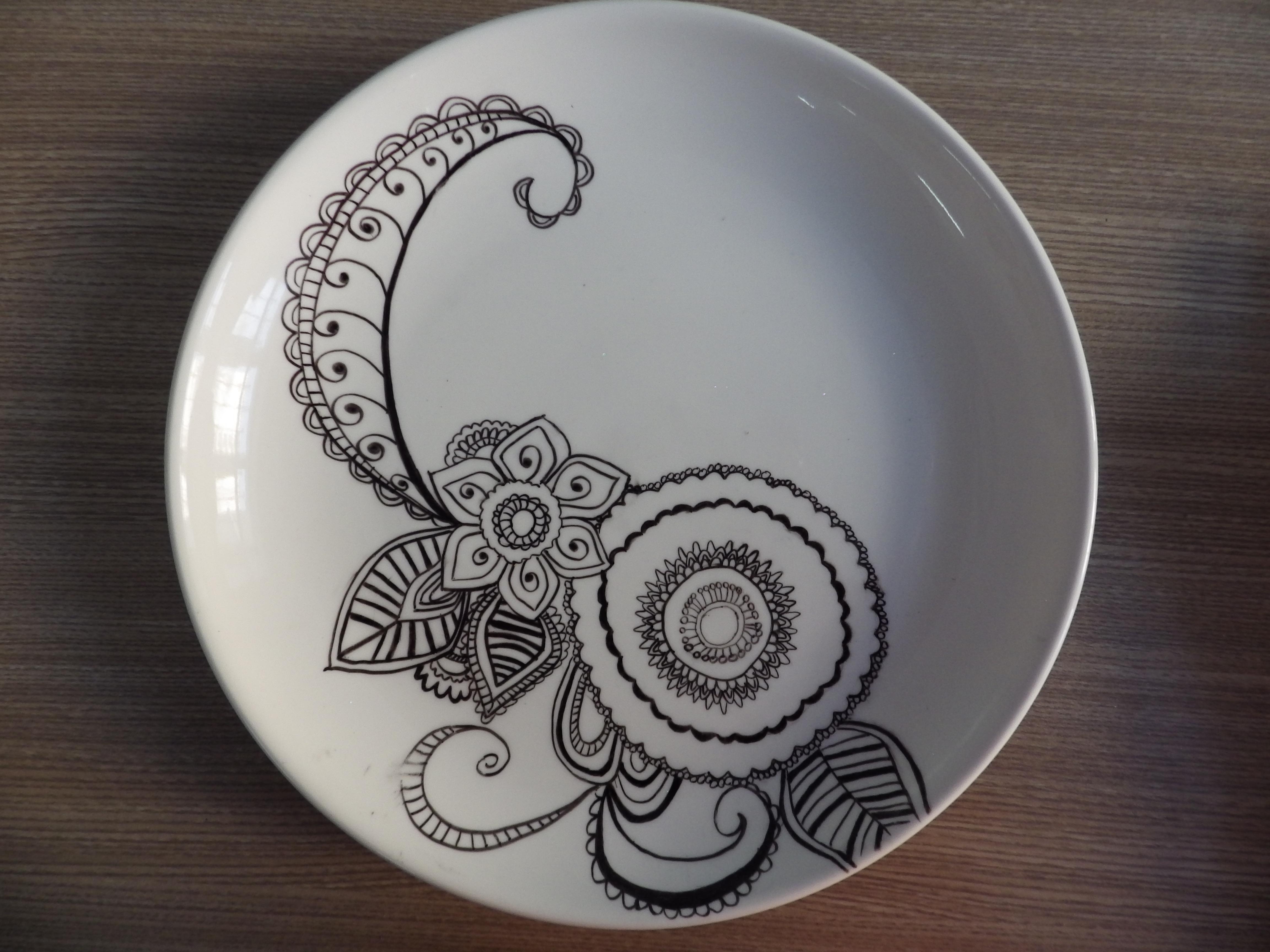 手绘盘子图案花纹设计