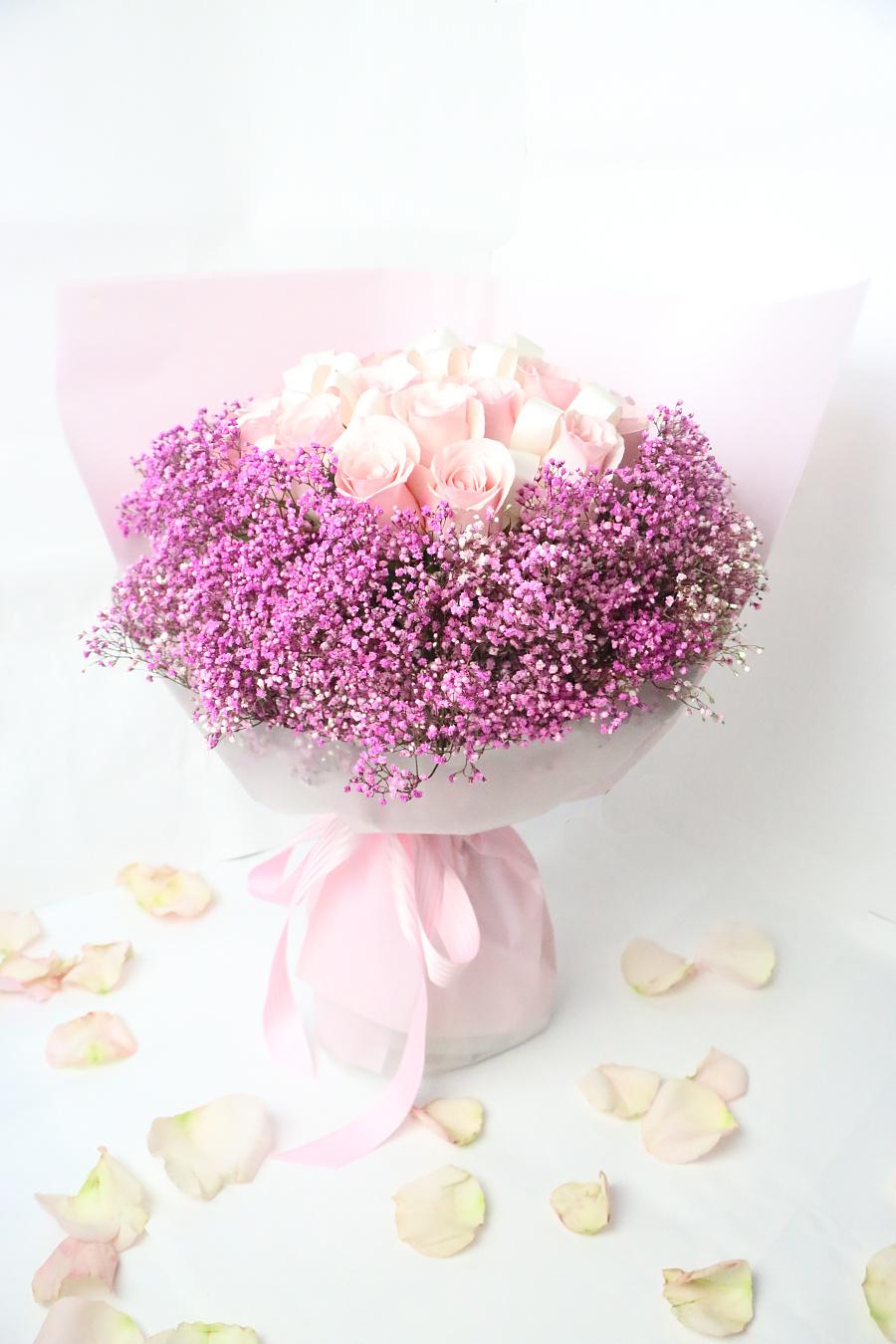 束 圆形花束 满天星玫瑰花束 玫瑰花束 卡罗拉玫瑰花束 糖果玫瑰花束 图片