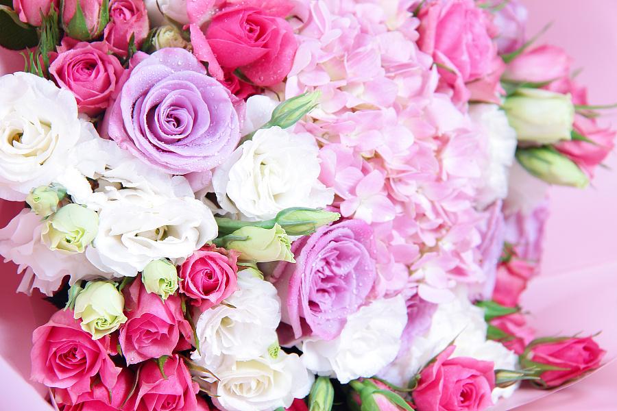 粉色小花束