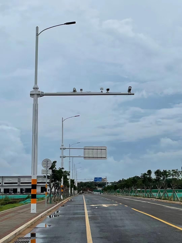 路灯杆交通指示牌监控用杆