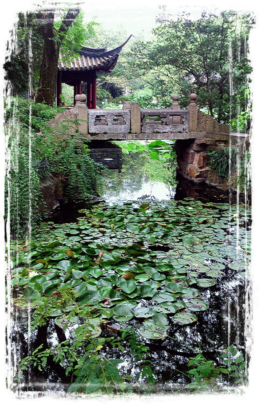 查看《楼台-亭榭-流水-石桥》原图,原图尺寸:2258x3520