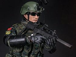中国人民武装警察部队特警部队 雪豹突击队 中队长