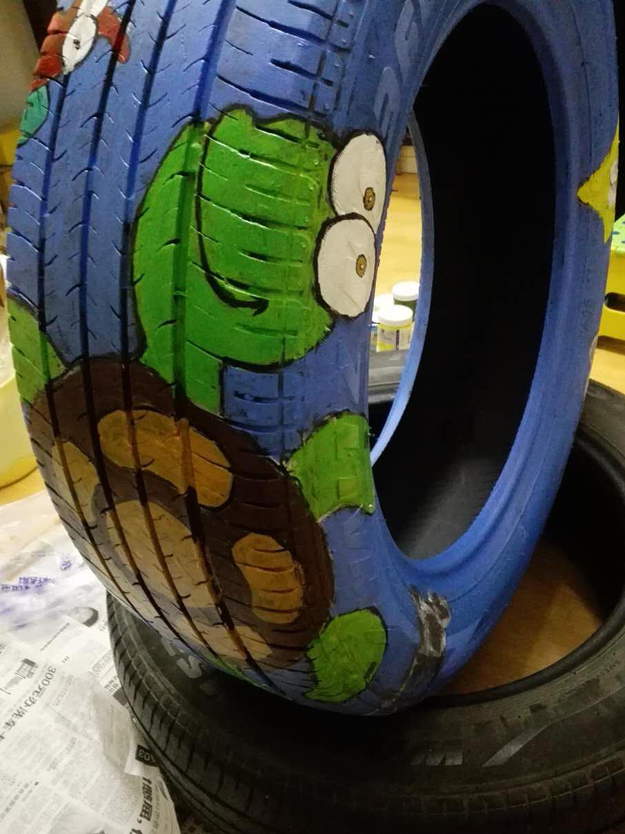 轮胎手绘卡通图