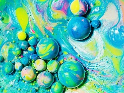 抽象泡泡的制作教程 牛奶 洗涤剂 颜料 油 的碰撞