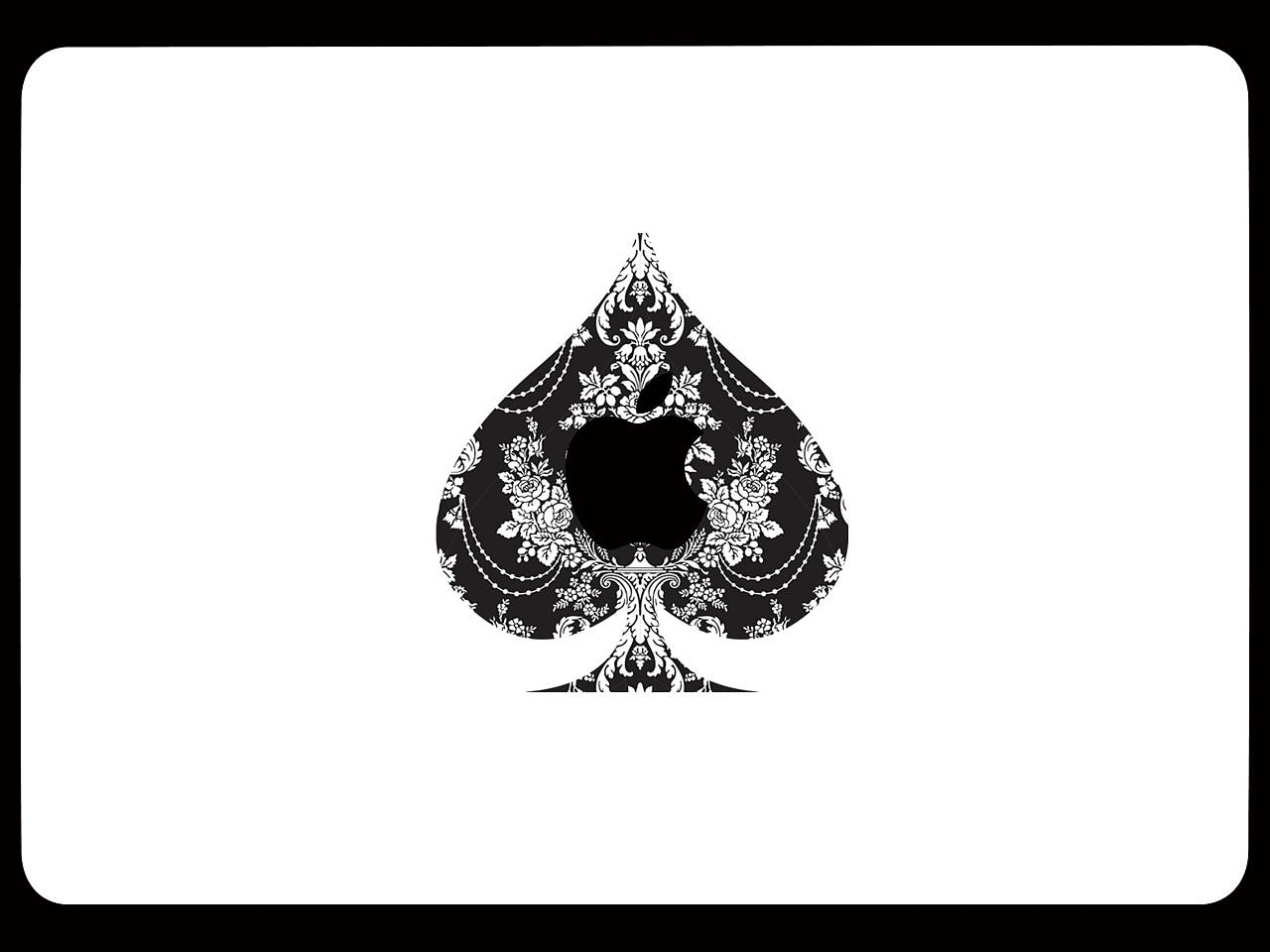 黑桃的正面,黑色的底色,白色的花纹,有种欧式的风格.
