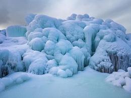 黑龙潭冰瀑