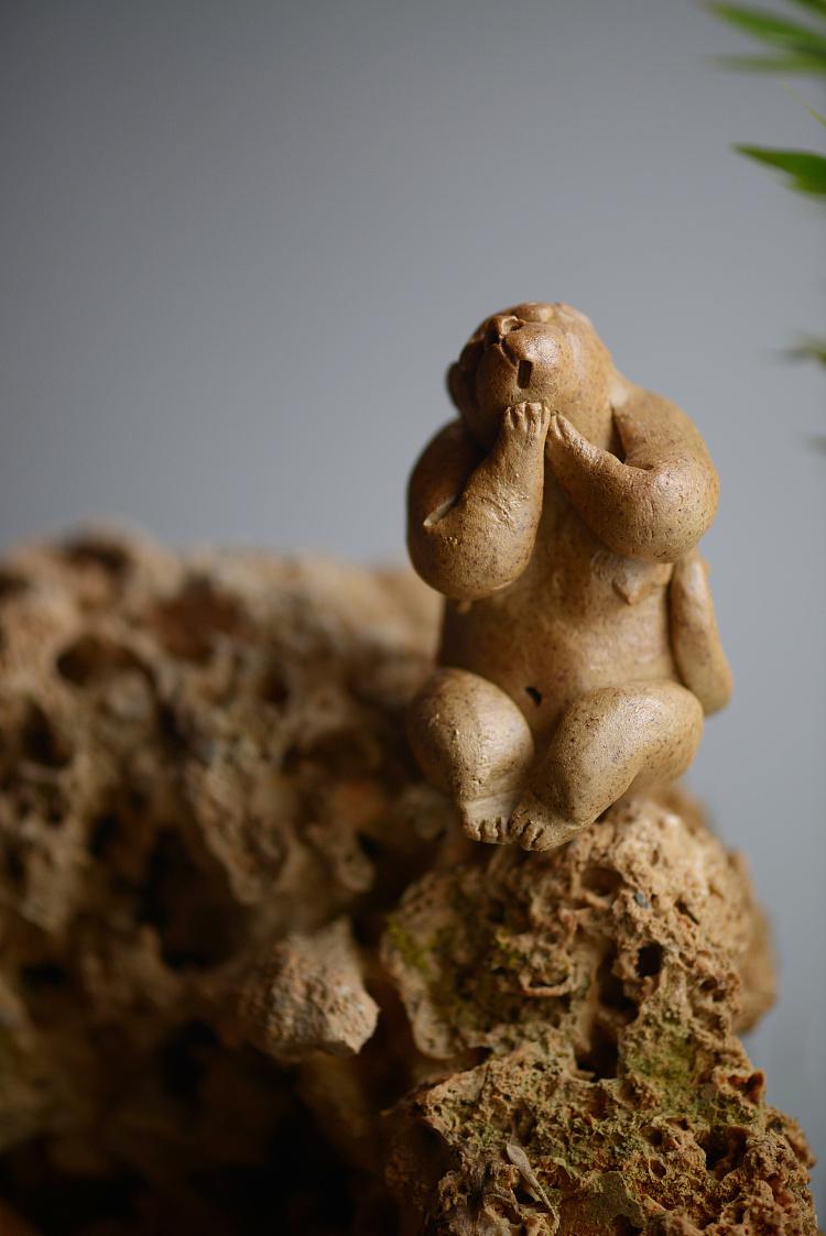 原创陶瓷动物猴子摆件工艺品