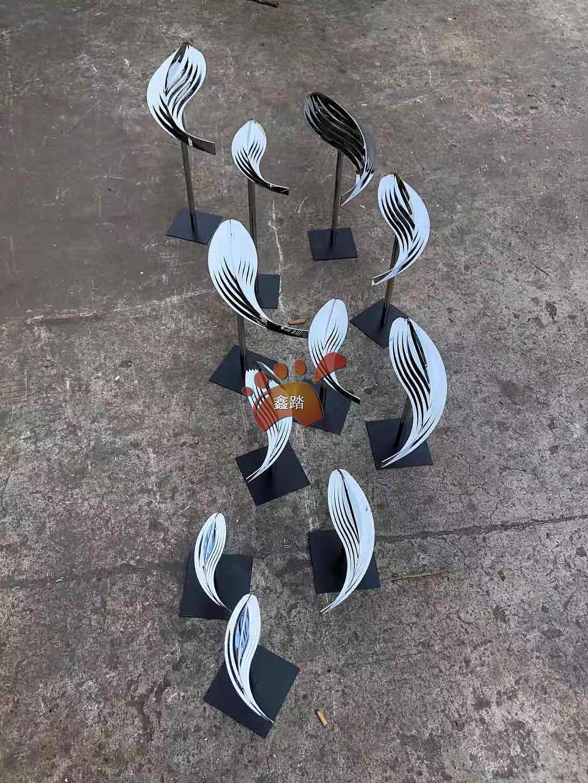 """不锈钢墙体抽象鱼雕塑不锈钢流水鱼雕塑""""超流畅形态"""""""
