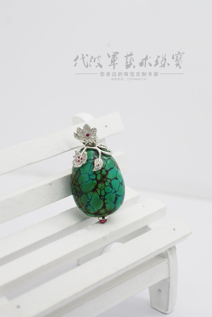 查看《代波军艺术珠宝定制----   一件绿松美丽一个女人作品欣赏》原图,原图尺寸:900x1344