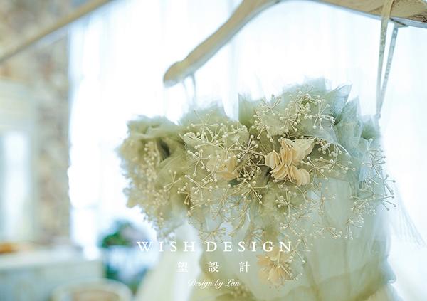 查看《樱草新娘,兰奕婚纱设计作品》原图,原图尺寸:600x423