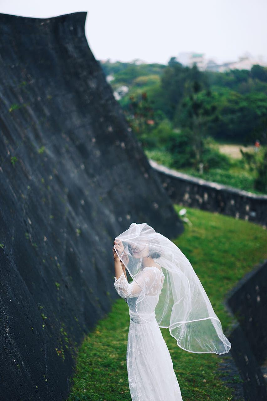 一个人的婚纱照