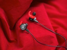 静物练习:钛度游戏耳机图赏