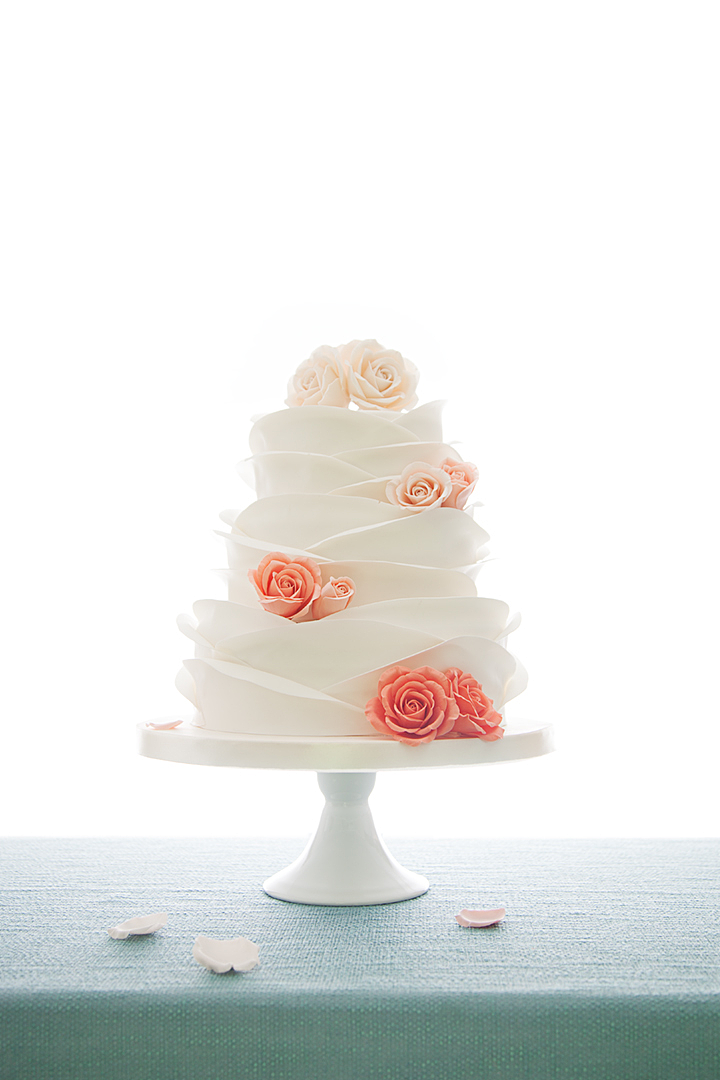 如婚纱般淡雅优美的翻糖蛋糕:妙2号