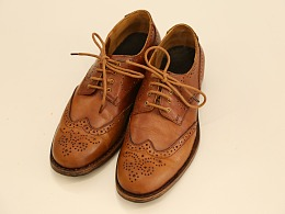 固特异皮鞋