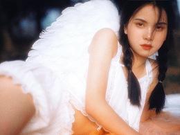 天 使 欣