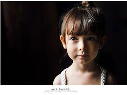 用简单的光线勾勒一颗童心