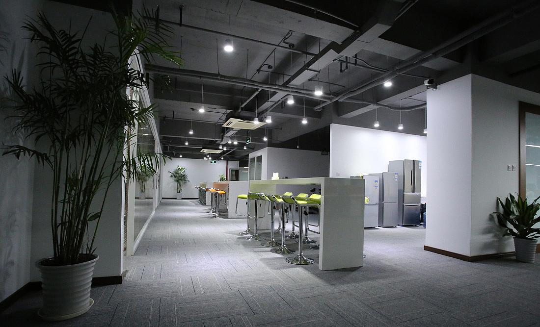 loft风格办公室装修设计效果图/成都办公室装修公司图片