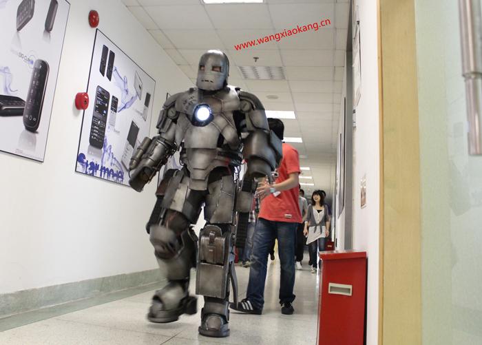 查看《我的钢铁侠MK1盔甲》原图,原图尺寸:700x501